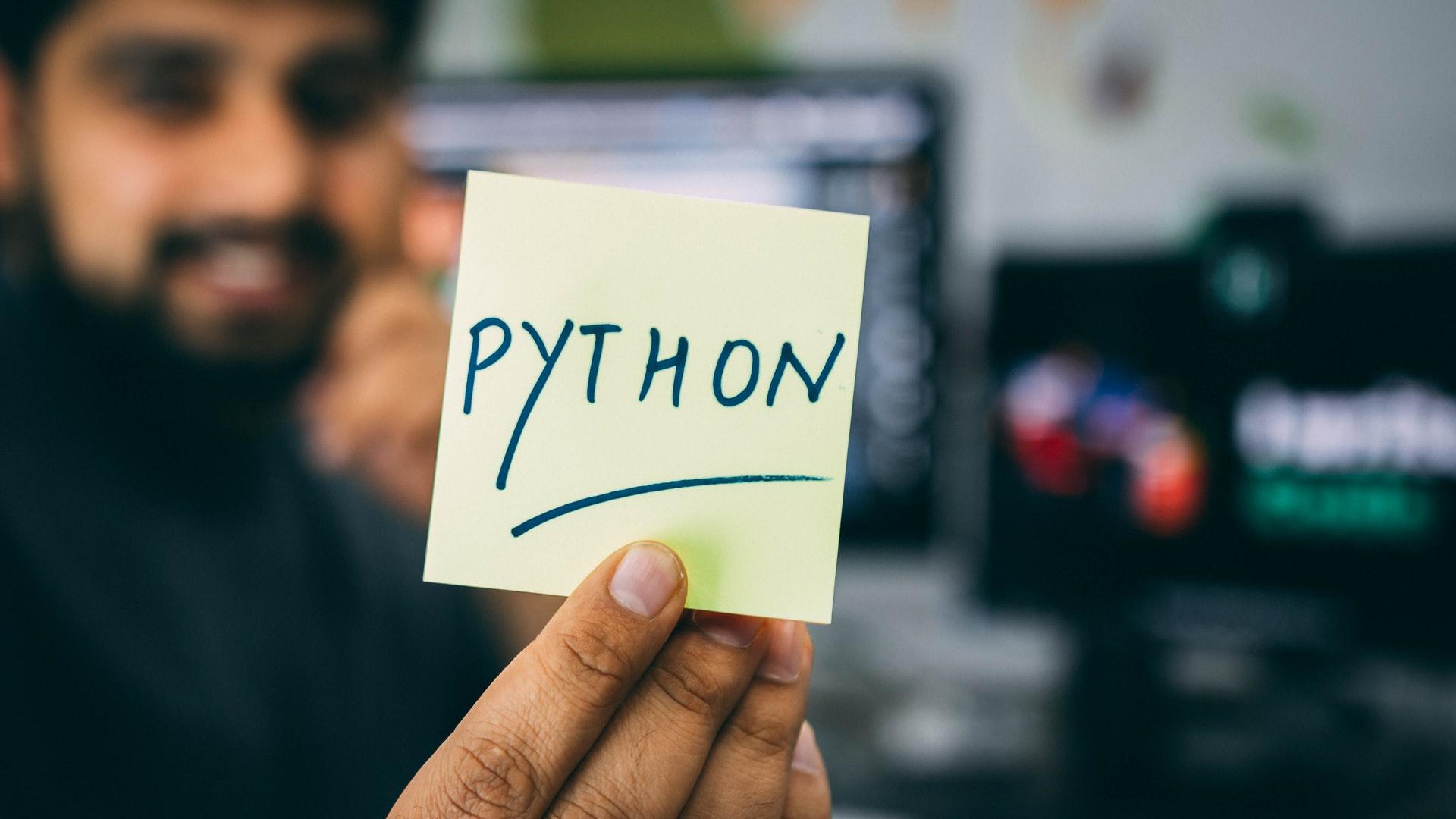 Аналітик порівняв мови Python і Julia для data science